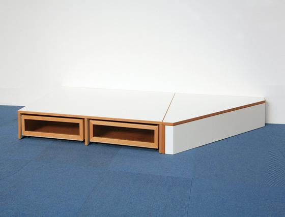 Double Platform DBF 152. by De Breuyn
