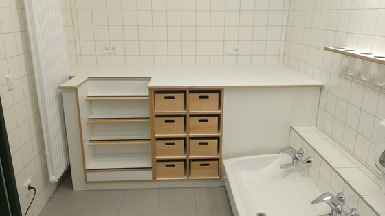Floor unit for shower tray  DBF-300-10 by De Breuyn