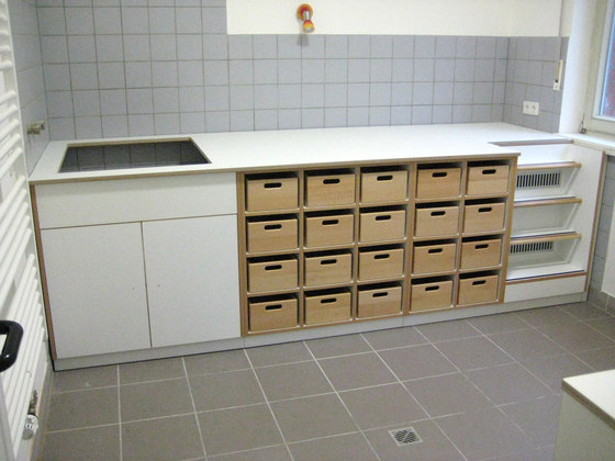 Floor unit with stairs  DBF-303-10 di De Breuyn