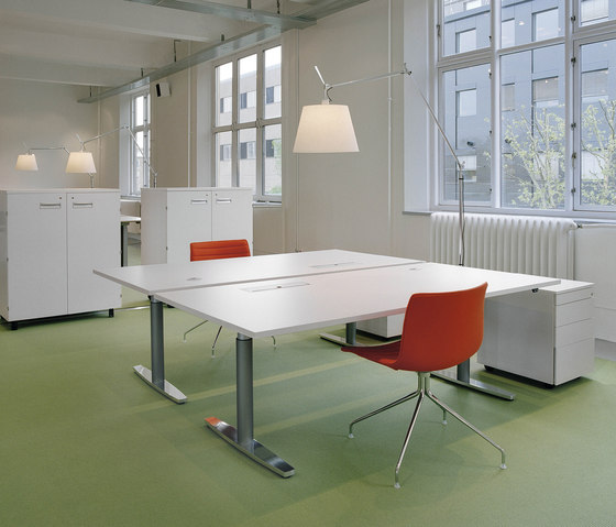 DO6300 Elevation table di Designoffice