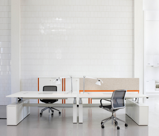 DO6400 Elevation table de Designoffice