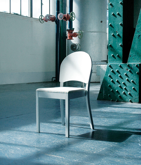 Cantú chair by TON