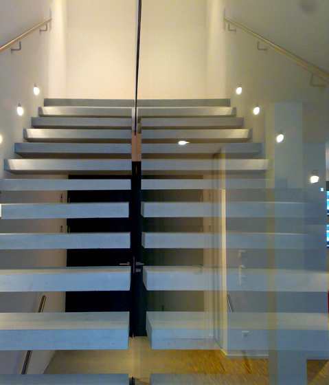 Concrete stair by Siller Treppen