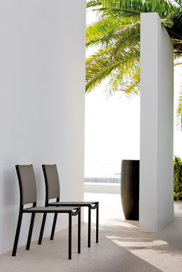 Enyo Dining Chair di Manutti