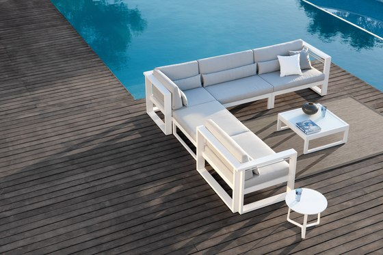 Fuse lounger + screen von Manutti