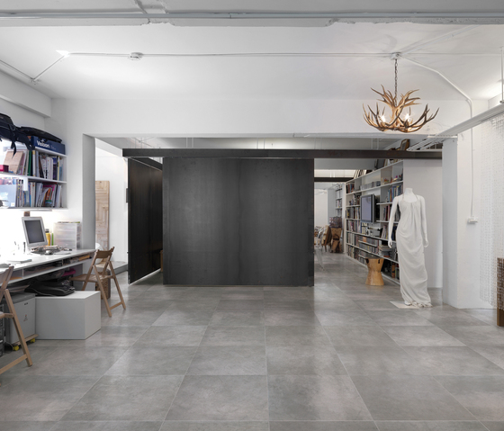 Graffiti bianco floor tile tiles from refin architonic for Carrelage 75x75