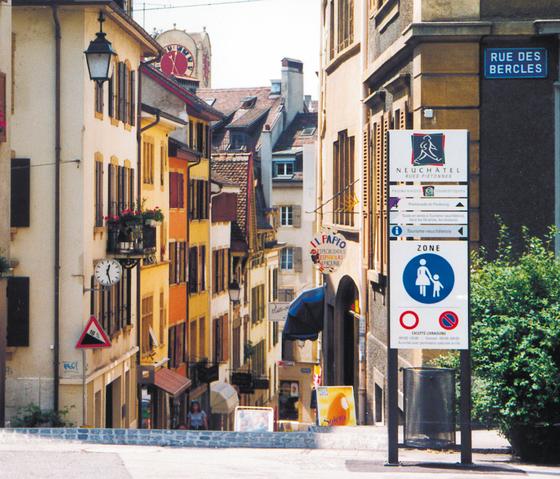 Pedestrian Wayfinding System de BURRI