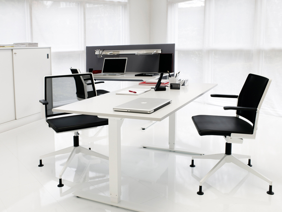 VX conference table di Horreds