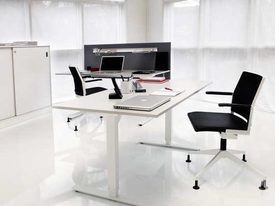VX conference table de Horreds