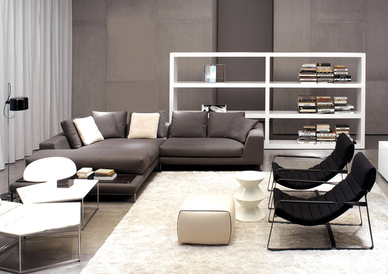 Johns by Minotti