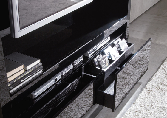 Johns Hi-Fi by Minotti