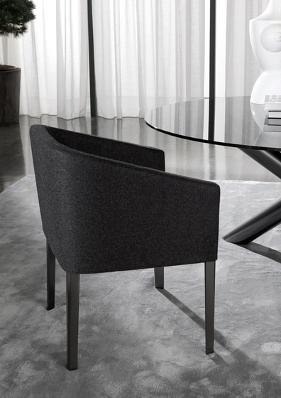 Loving by Minotti