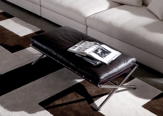 Self by Minotti