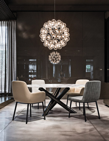 Van Dyck Table by Minotti