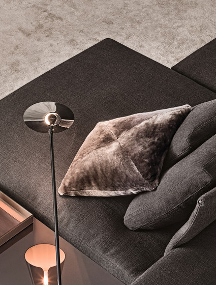 Shearling by Minotti