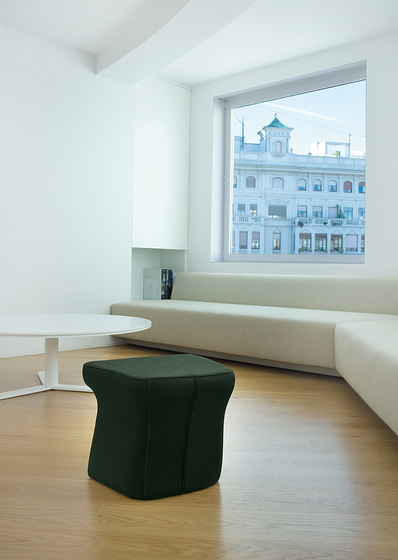 Fedele armchair & pouf di viccarbe
