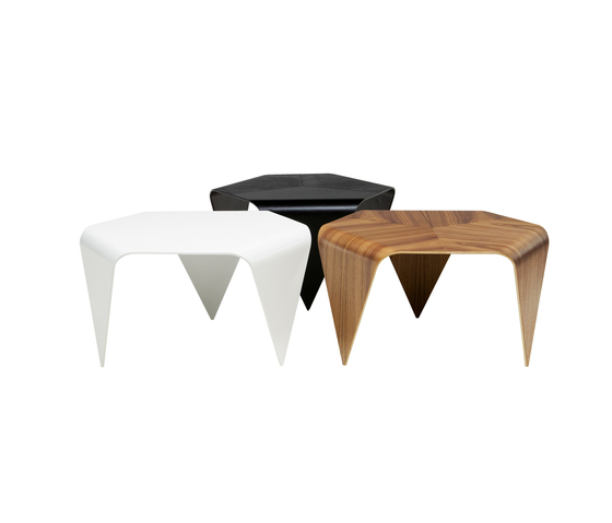 Trienna Coffee Table de Artek