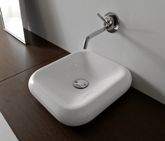 Cento Washbasin + free standing unit by Kerasan