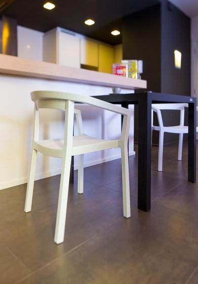 peach armchair by Resol-Barcelona Dd
