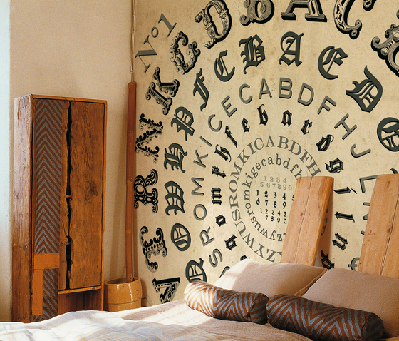 Alphabetical swirl by Wall&decò
