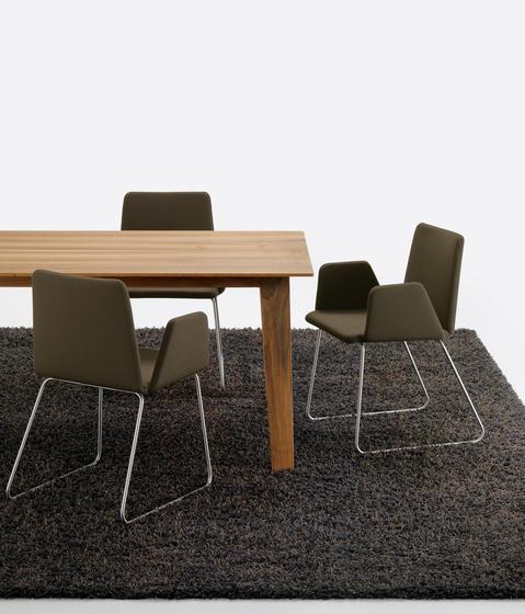 KAI Table by Girsberger