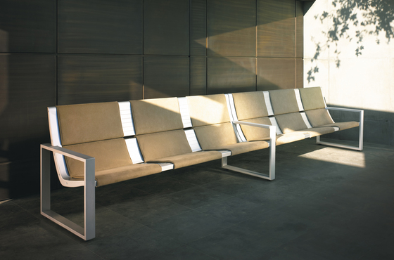 Rail System by Forma 5