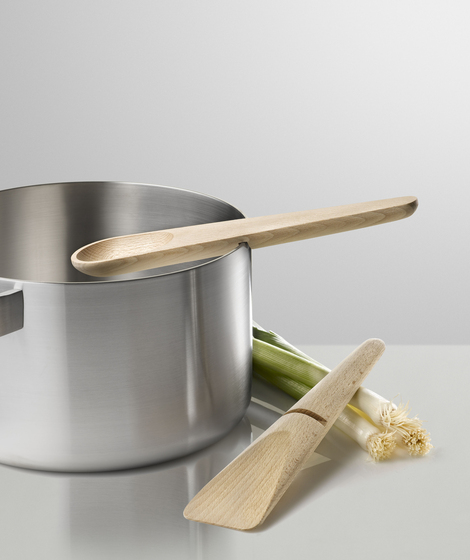 Hang Around Cooking Set by Muuto