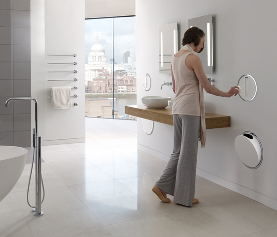 RS83E Electronic dual flow cistern flush by VOLA