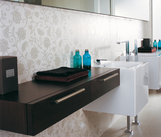 Deco Silk Blanco by Porcelanosa