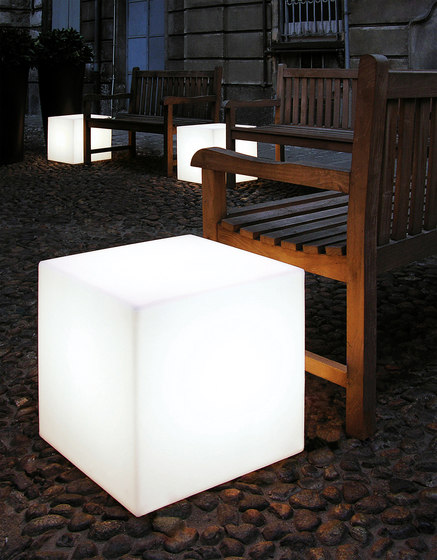 Cubo by Slide