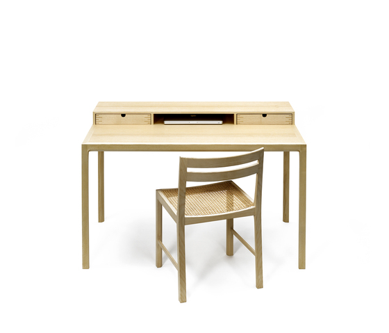 Writing desk di Carl Hansen & Søn