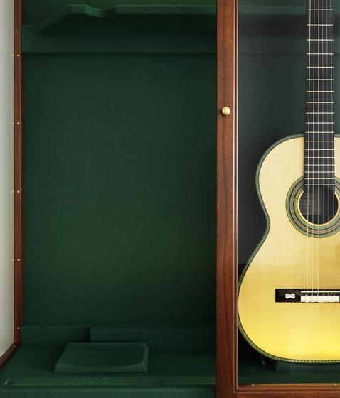 Guitar showcase by Carl Hansen & Søn