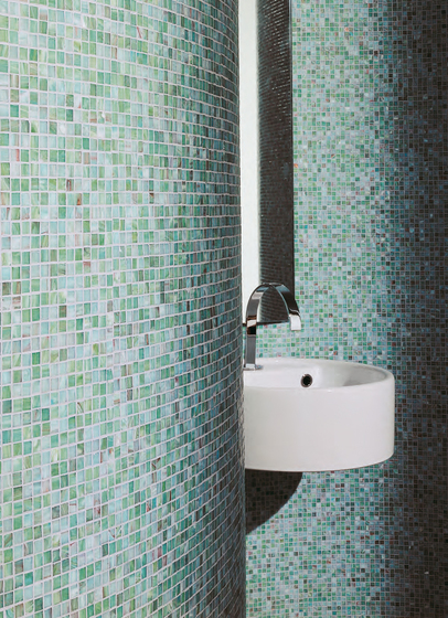 Prince White mosaic by Bisazza