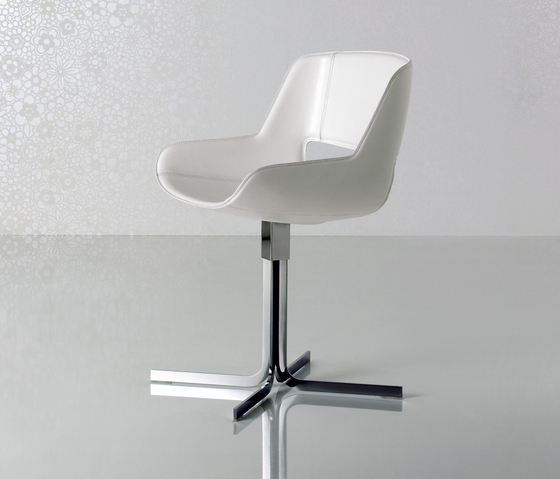 Amaranta Swivel stool by Enrico Pellizzoni