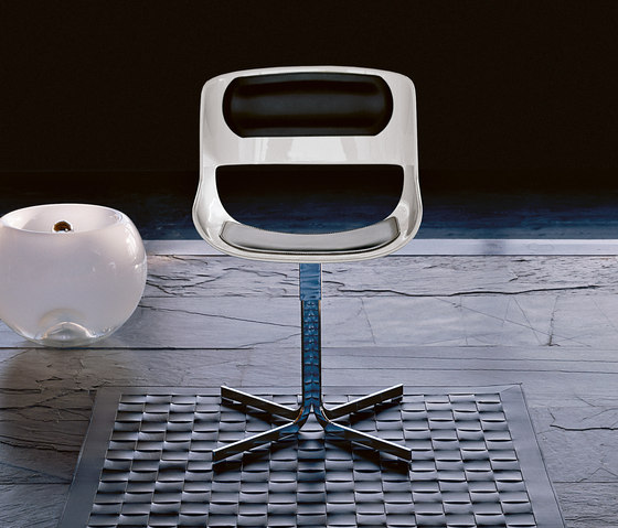 Amaranta Table XL by Enrico Pellizzoni