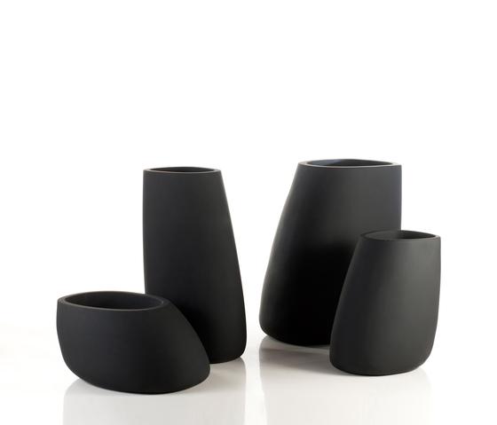 Stone pot by Vondom