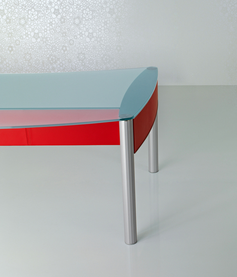 Valeo Table by Enrico Pellizzoni