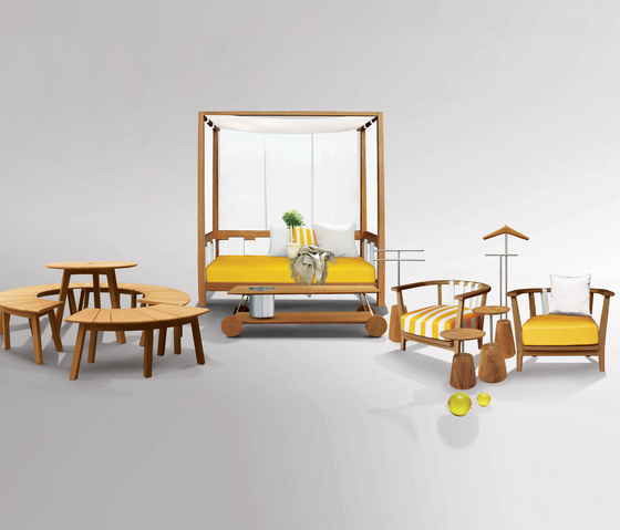 Tiera Outdoor Table di Deesawat