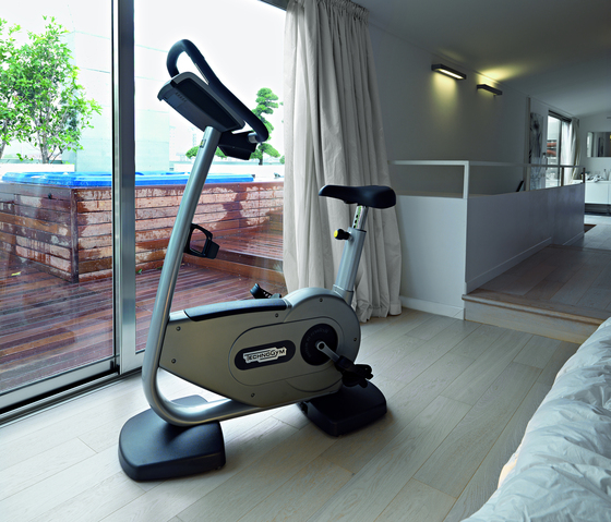 Forma New Recline by Technogym