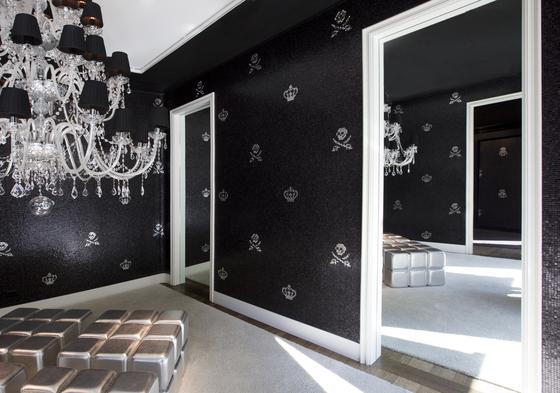 Skulls & Crowns Black by Bisazza