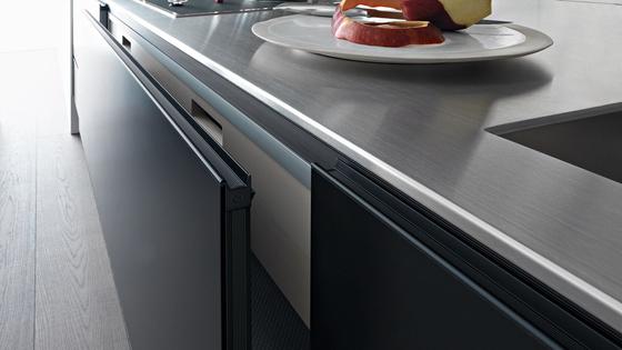 Riciclantica Alluminio I Verniciato Nero di Valcucine