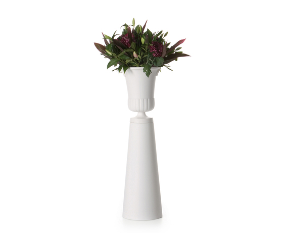container vase foot von moooi