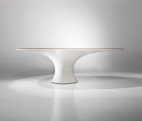 Hyperbolic Table by BD Barcelona