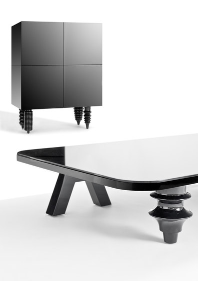 Showtime Multileg Low Table de BD Barcelona