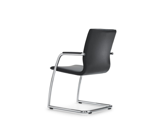 ACCORDO Cantilever chair by Girsberger