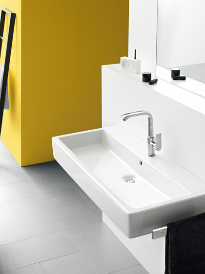 hansgrohe Metris S Electronic basin mixer with temperature pre-adjustment with 230 V mains connection by Hansgrohe