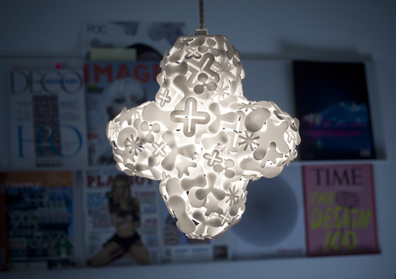 Cross Hanging light de Freedom Of Creation