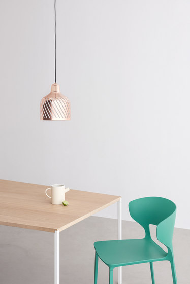 25 square table von Desalto