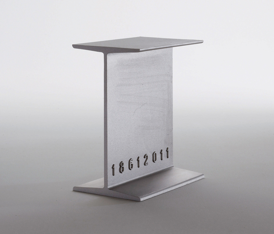 Italia side table/stool von Desalto