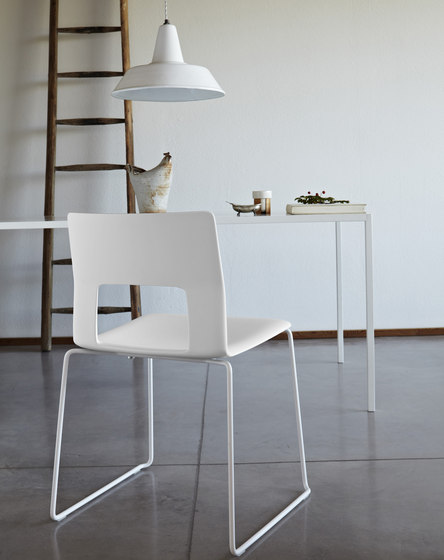 Kobe chair by Desalto